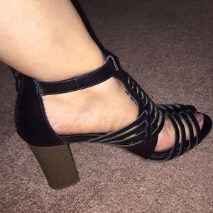 Zapatos Negros súper bonitos 💰